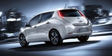 Jön az új Nissan LEAF – Dupla hatótáv és önvezető