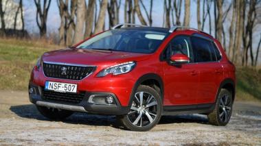 Férfiasabb kisoroszlán - Peugeot 2008 1.6 BlueHDi 120 (2016) teszt