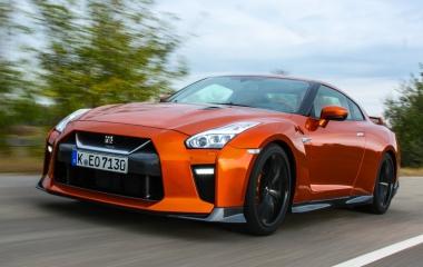 Több a sokknál! – Nissan GT-R teszt