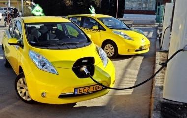 A Nissan az elektromos taxik globális forradalmának vezetője