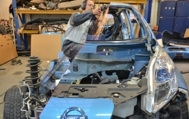 Így vágtunkk félbe egy Nissan LEAF-et. Nálunk készült, büszkék vagyunk rá